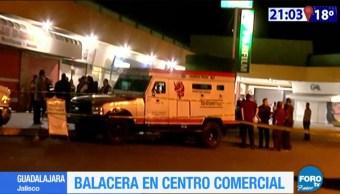 Balacera en plaza comercial Independencia en Guadalajara, Jalisco.