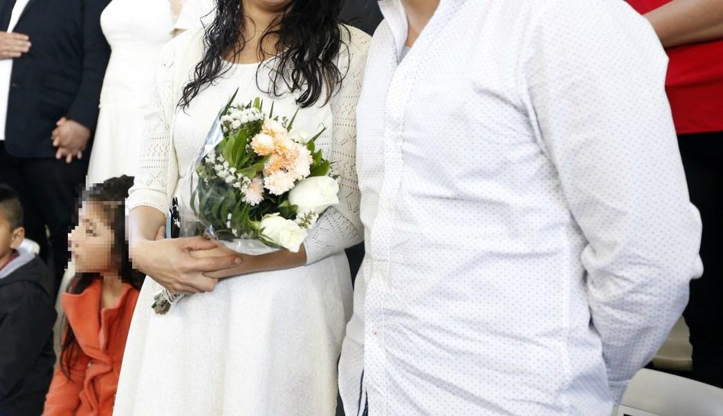 Pareja asiste a boda masiva; la CDMX amplía el registro a parejas que quieran participar en la boda colectiva que se realizará el 25 de marzo en el Zócalo