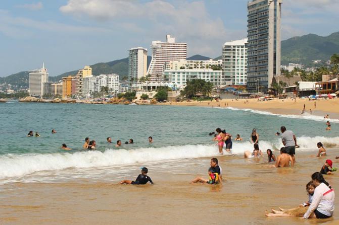 Turistas extranjeros gastan 19 mmdd en México