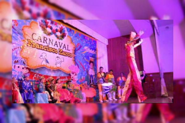 Niños que participarán en el Carnaval de Veracruz; son coronados los reyes infantiles (Noticieros Televisa)