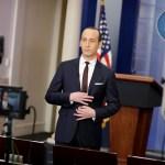 El asesor senior de la Casa Blanca, Stephen Miller, en el Salón de la Casa Blanca en Washington (Reuters)