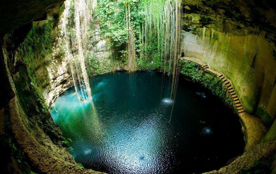 Más de 400 cenotes de 20 municipios de Yucatán presentan altos niveles de contaminación provocada por materia fecal. (Twitter@TurismoRiviera)