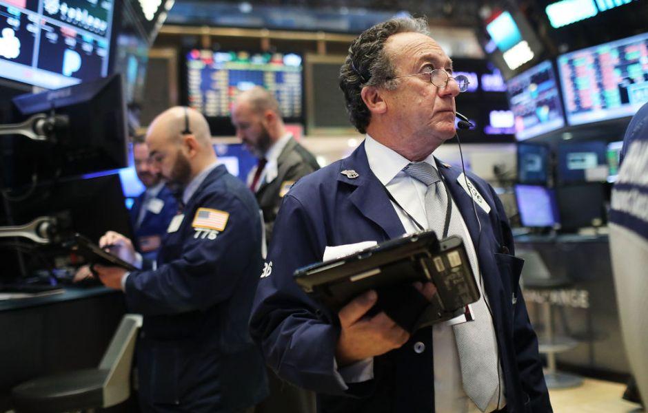 Corredores de bolsa en Wall Street, en Nueva York.