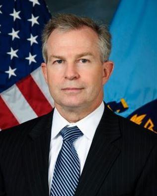 Craig Deare, designado por Trump como director de la división del Hemisferio Occidental del Consejo de Seguridad Nacional, fue expulsado del edificio de gobierno donde trabajaba. (NDU)