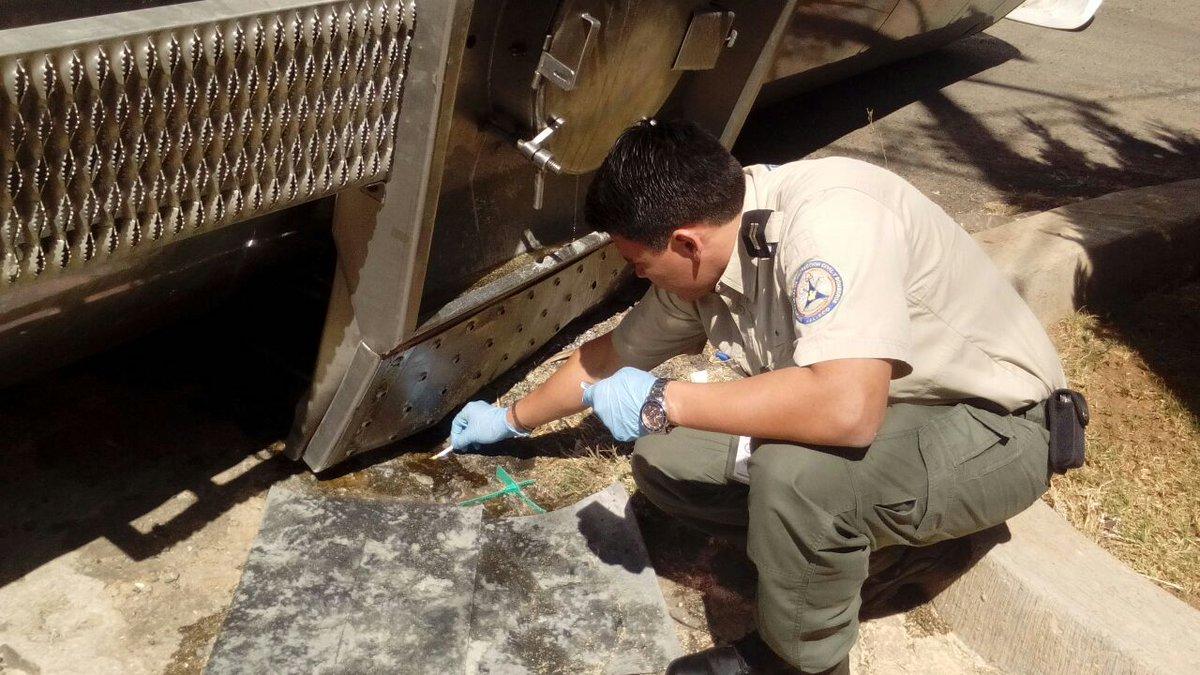 Derrame de sulfato de aluminio en Tepatitlán tras volcadura de pipa. (Twitter @PCJalisco)