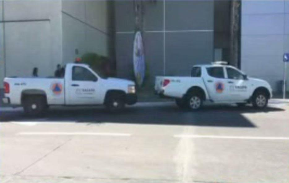 Elementos de Protección Civil atendieron incendio en Plaza Américas, en Xalapa, Veracruz. (Noticieros Televisa)