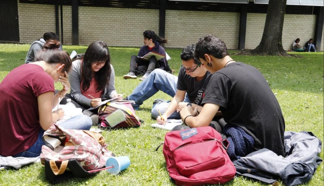 Jóvenes estudian en las instalaciones del Instituto Politécnico Nacional. (Twitter @IPN_MX, archivo)