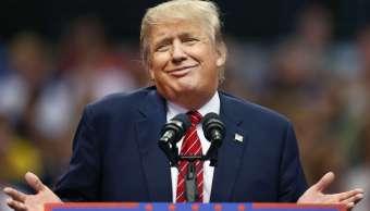 El presidente Donald Trump durante un acto de campaña en el American Airlines cuando era candidato presidencial republicano. (Getty Images/archivo)