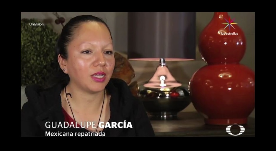 A Guadalupe le cuesta aceptar que ella va a tener que quedarse en México, separada de sus hijos.