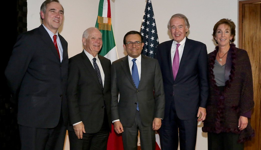 Ildefonso Guajardo, secretario de Economía, junto a una delegación de Senadores de Estados Unidos (Twitter: @SE_mx)