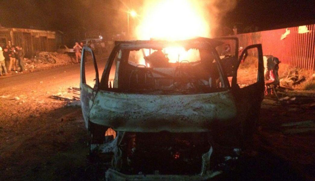 Habitantes de Nahuatzen, Michoacán, retuvieron camiones de carga y quemaron dos de ellos