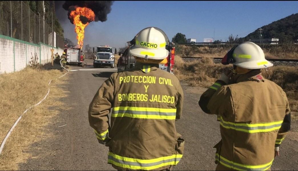 se reporta el incendio de un ducto de Pemex en Jalisco