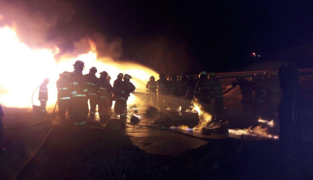 Incendio en ducto de Pemex en Jalisco (Twitter @UMPCyBZ)