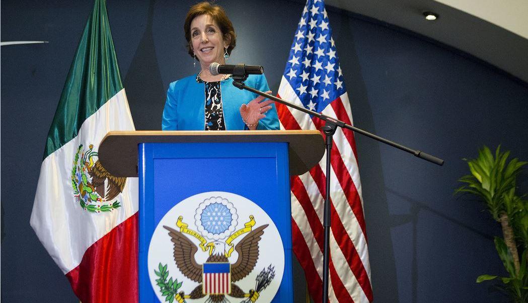 """""""Creo que tenemos que continuar trabajando juntos, reconociendo que tenemos retos comunes; debemos avanzar la relación"""", afirmó la diplomática. (AP, archivo)"""