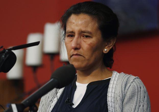 La inmigrante Jeanette Vizguerra permanece refugiada en una iglesia de Denver, Colorado. (AP)