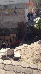 La barda cayó en una obra de demolición en la delegación Coyoacán. (Twitter@FaustoLugo)