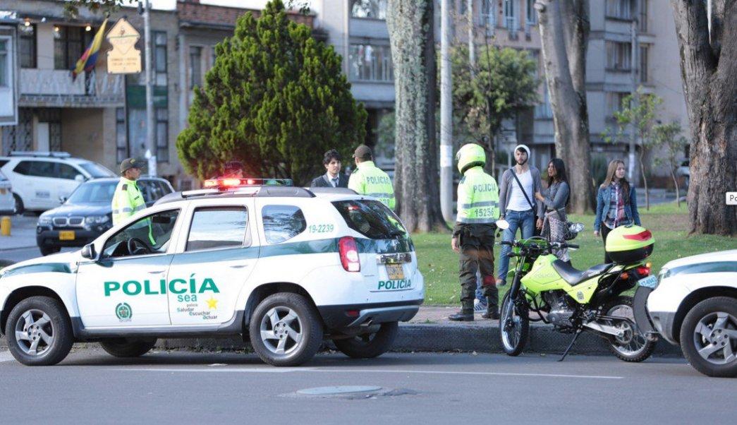 """Luego de meses de investigaciones, la Policía de Colombia detuvo a Arturo Stiven Buitrago Montaño, alias """"El Cojo"""", y a Mateo Gutiérrez León, alias """"Mateo""""."""