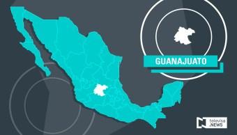 Toma clandestina provoca incendio en ducto de Pemex en Guanajuato