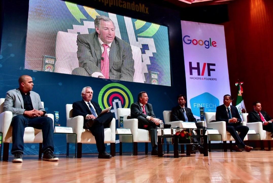 El titular de la SHCP, José Antonio Meade, participó en la entrega de premios del concurso 'Reto Applicando México. Innovación Financiera', organizado por Nacional Financiera.