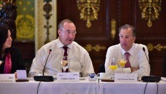 El secretario de Hacienda, José Antonio Meade y el presidente del CEEG, Frédérick García (Twitter: @JoseAMeadeK)