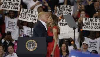 Melania Rechaza Trump