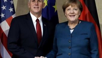La canciller de Alemania, Angela Merkel, pide a Estados Unidos y otros países que apoyen y refuercen organizaciones multilaterales como la Unión Europea, la OTAN y Naciones Unidas. (AP)