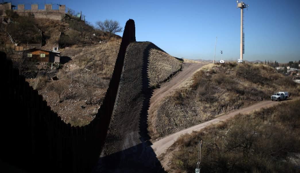 Aspectos de la frontera entre Nogales, Sonora, y Nogales, Arizona. (Reuters, archivo)