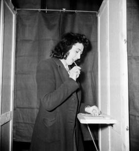 Adolfo Ruiz Cortines fue el presidente que promulgó el derecho al voto de las mujeres (Getty Images)