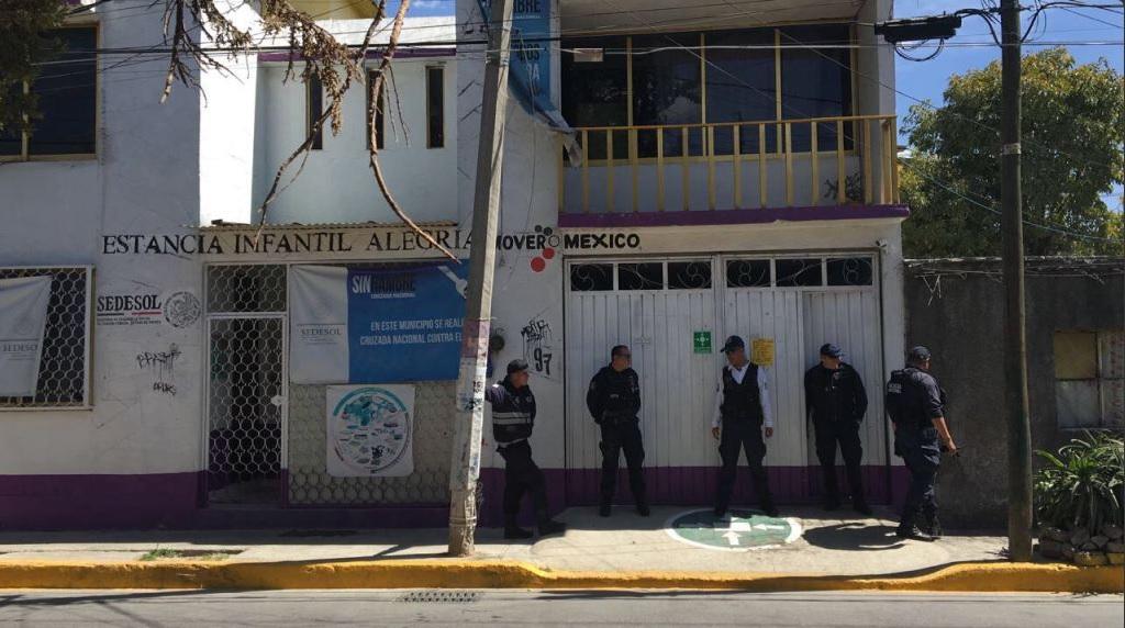 Las detenidas son la directora del plantel y tres maestras (Twitter @reporterosenmov)