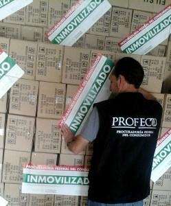 Focos que no cumplen las Normas Oficiales Mexicanas son inmovilizados en Manzanillo; personal del SAT y Profeco realizan el operativo