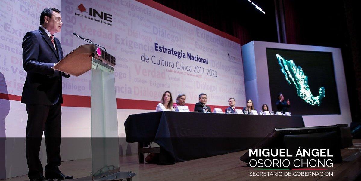 Osorio Chong participó en la presentación de la Estrategia Nacional de la Cultura Cívica del INE. (Twitter: @osoriochong)