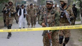 Ataque suicida en Pakistán deja 11 soldados muertos y 13 heridos