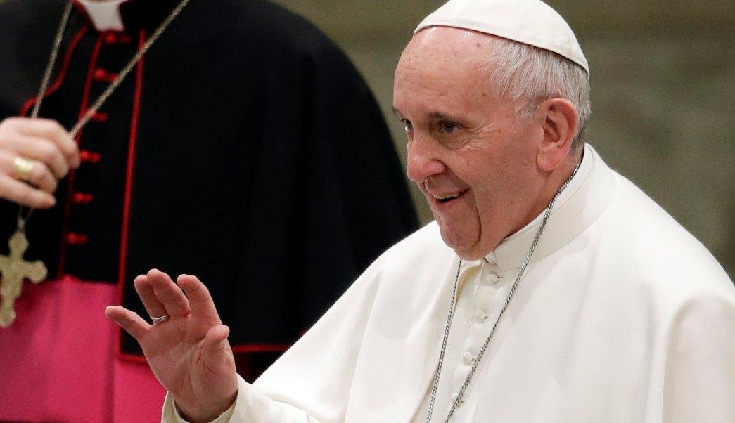 Papa Francisco se muestra abierto a recibir propuestas para ordenar a hombres casados . (Archivvo/AP)