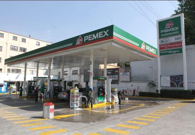 La gasolina Magna costará 12 pesos con 15 centavos y la Premium pasó de 16 a 15 pesos por litro. (Notimex, archivo)