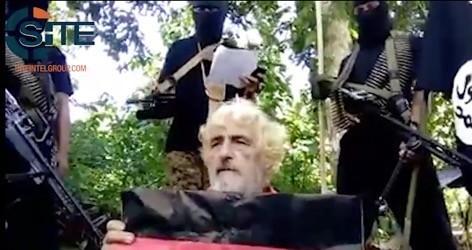 En esta imagen se muestra al rehén alemán Jurgen Gustav Kantner en un lugar no revelado (AP)
