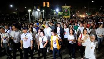 Manifestantes se unen a una procesión contra la pena de muerte y la intensificación de la guerra contra las drogas en Manila, Filipinas (Reuters)