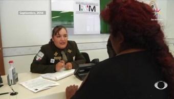 Con el cierre de 2 candados, uno en Estados Unidos y otro en México, termina el sueño de los mexicanos que son repatriados; los migrantes ingresan por la puerta de 'El Chaparral', en Tijuana, la instalación federal donde reciben atención médica y boletos de regreso a sus estados de origen. (Noticieros Televisa)