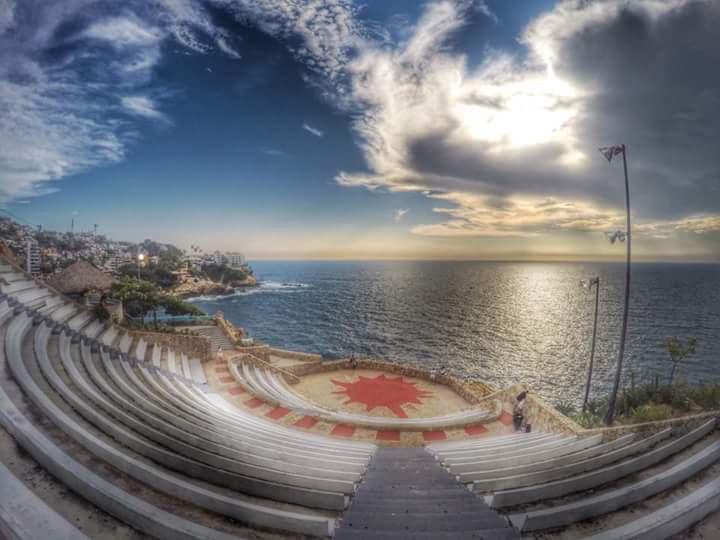 vista de la sinfonia del mar en acapulco