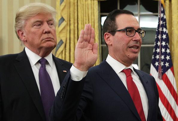 Steven Mnuchin fue ratificado como titular del Departamento del Tesoro y tomó posesión del cargo. Se anticipan dos grandes retos para él en el corto plazo. (Getty Images)