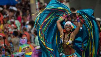 Unos 12 mil policías deben patrullar las calles de Río durante el Carnaval.