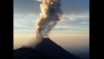 Protección Civil de Colima reporta diez explosiones del Volcán de Fuego, ocurridas del 10 al 16 de febrero