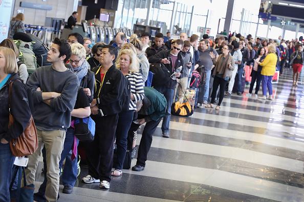 Avala Senado indemnizar a usuarios afectados por extravío de equipaje en aerolíneas