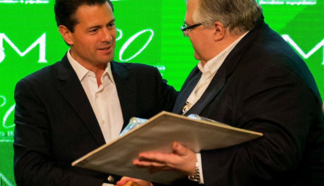 El presidente, Enrique Peña Nieto, y el gobernador de Banxico, Agustín Carstens. (Notimex)
