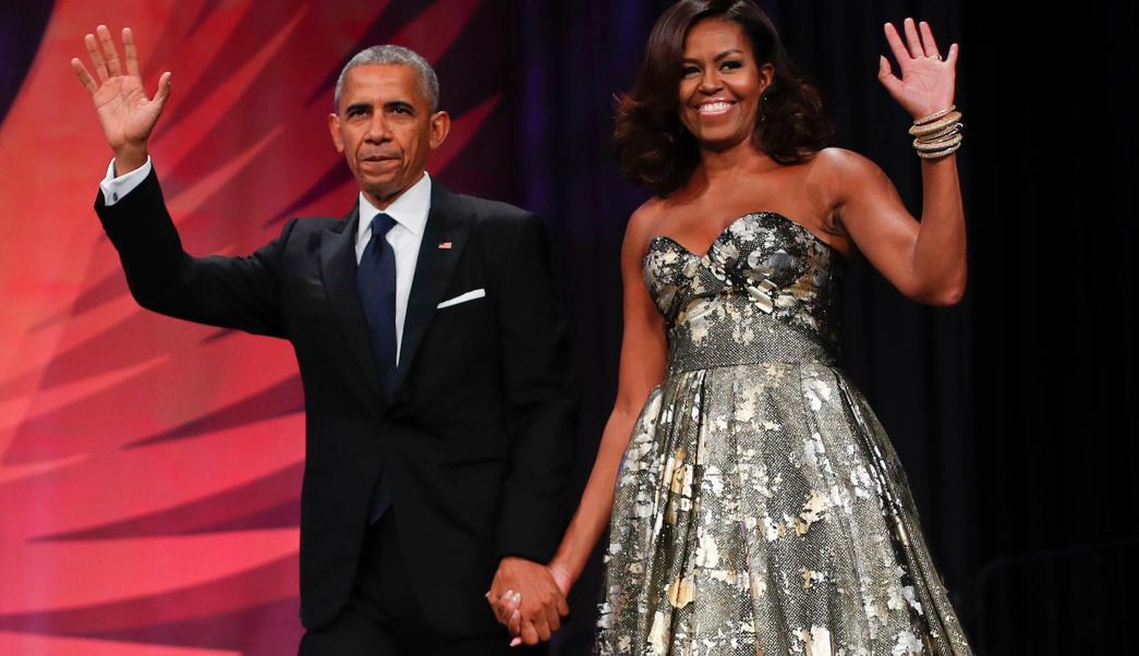 Fotografía que muestra al expresidente Barack Obama y a la exprimera dama Michelle Obama. (AP/archivo)