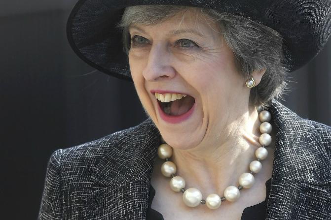 Un vocero de la primera ministra británica Theresa May revela que el gobierno de Trump no hablará más sobre acusaciones de espionaje (AP/Archivo)