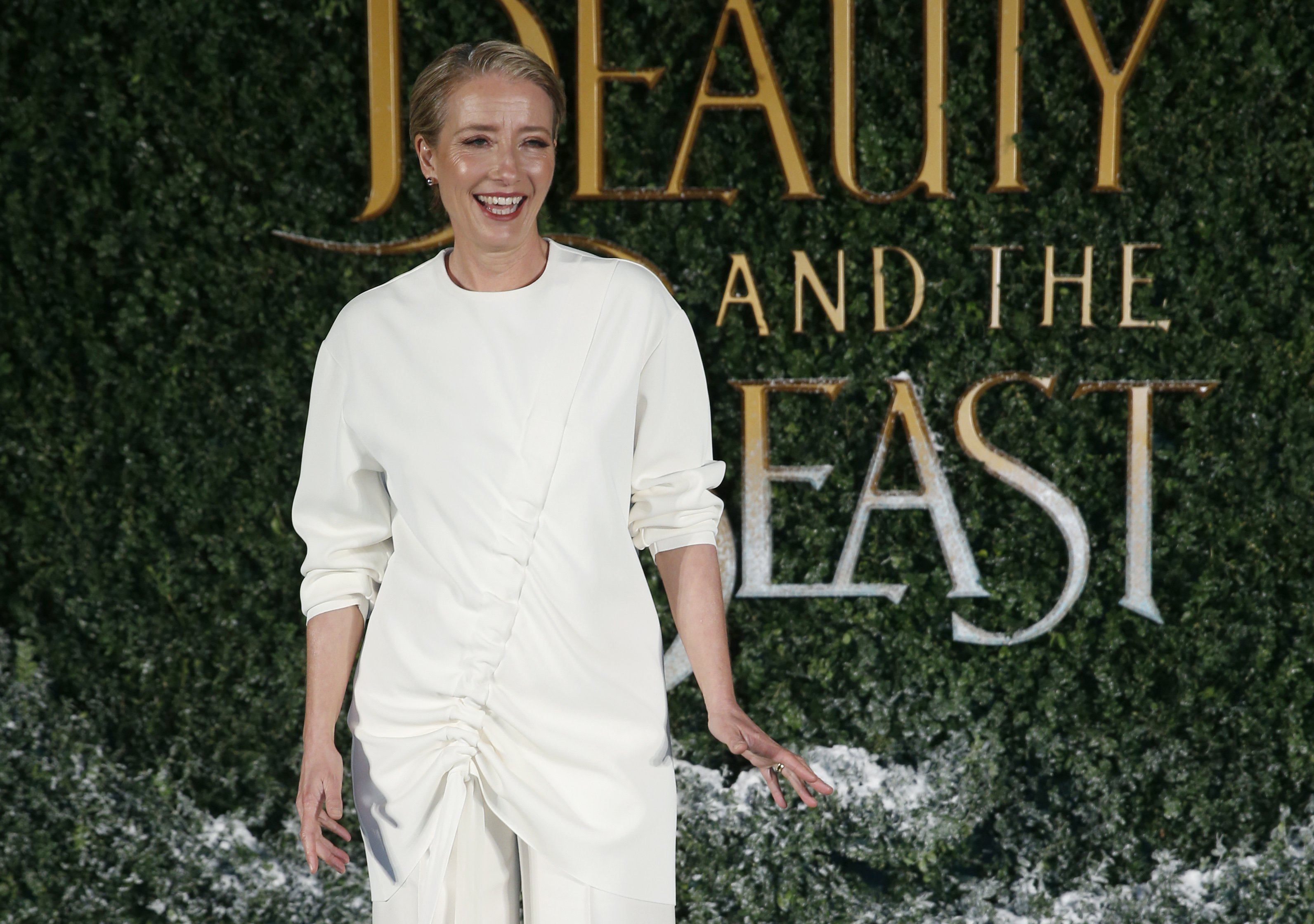 Actriz británica Emma Thompson rechaza oferta de Trump