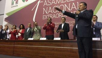Arturo Zamora en la ceremonia de protesta como secretario general de la CNOP. (Twitter: @arturozamora)