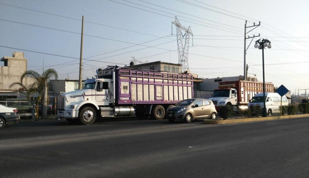 Militares aseguran varios vehículos que transportaban combustible ilícito (Noticieros Televisa)