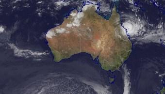 Imagen satelital del ciclón Debbie cerca de las costas de Australia; el meteoro aumenta a categoría 4 (bom.gov.au)