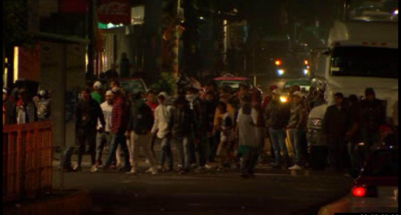 Tránsito en Río Consulado es afectado por una protesta a la altura de Peñón de los Baños; granaderos de la Ciudad de México retiran el bloqueo